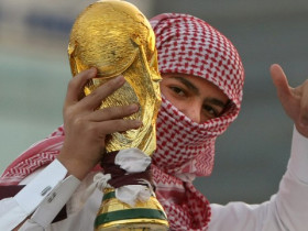 130829120252-qatar-world-cup-fan-trophy-story-top