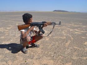 1319946987-children-and-guns-in-rural-yemen-_901409