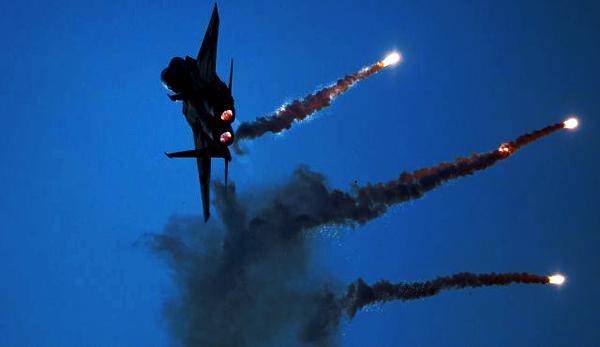 Izraelské letectvo zaútočilo na vojenské letiště u Damašku