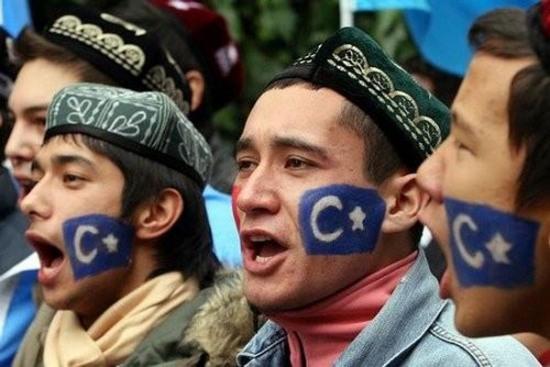 ' ' from the web at 'http://journal-neo.org/wp-content/uploads/2015/11/070515-5-maddede-uygur-turklerinin-yaadklar-3.jpg'